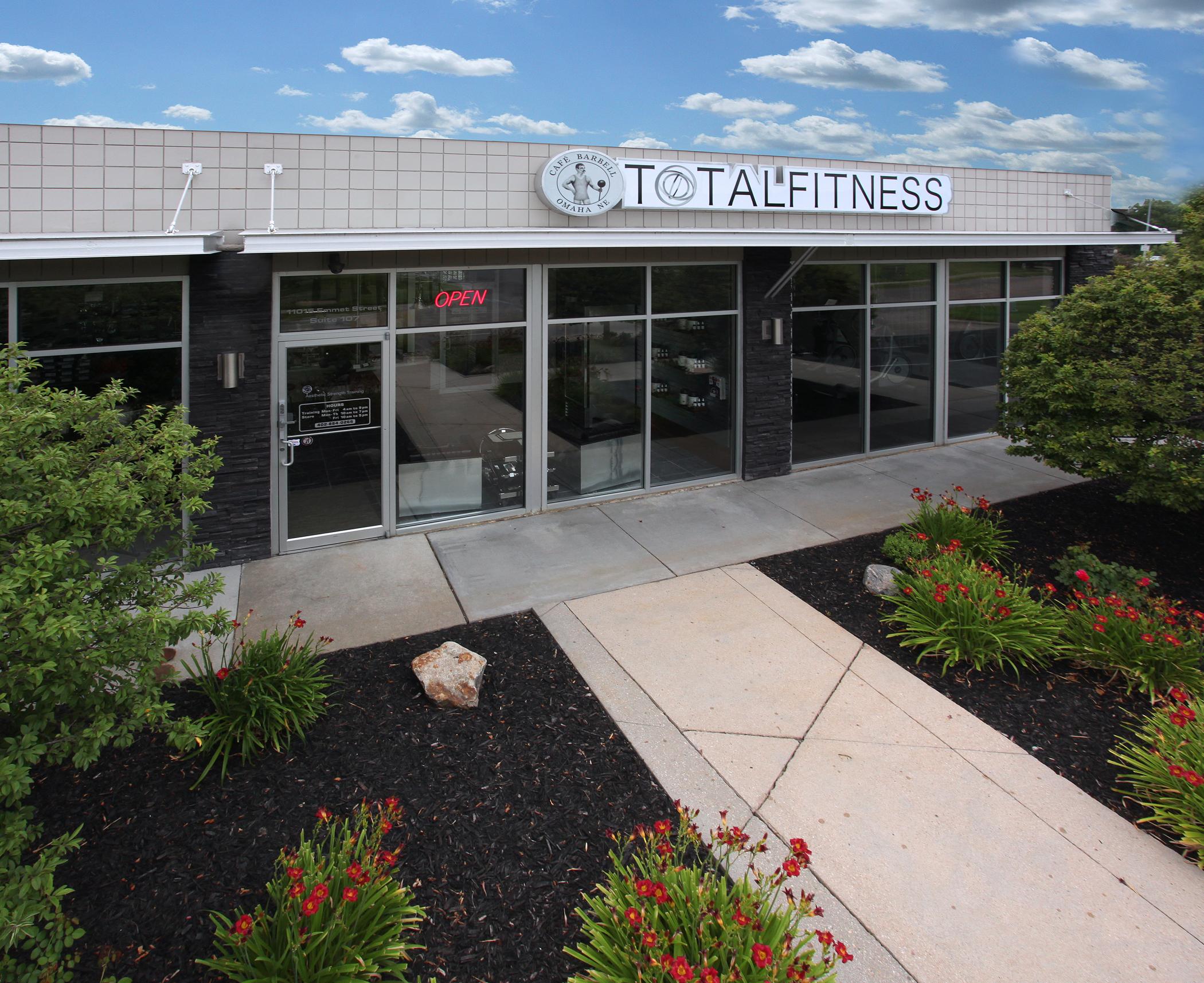 TOTALFITNESS & CAFÉ BARBELL